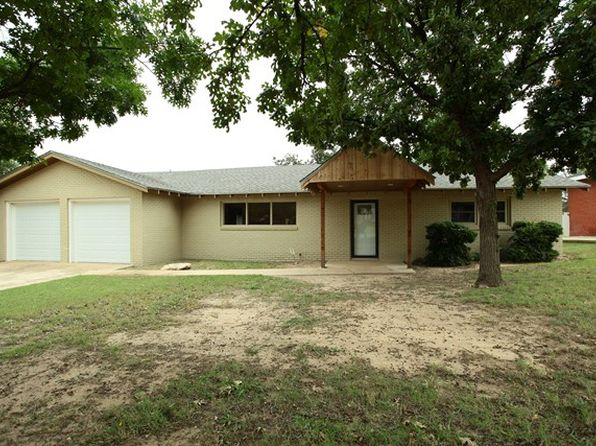 3 bed 2 bath Single Family at 1611 Indian Hills Dr Big Spring, TX, 79720 is for sale at 224k - 1 of 16