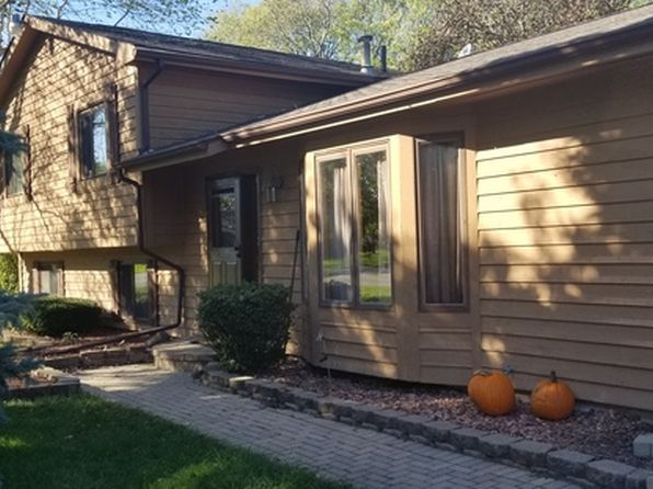 4 bed 3 bath Single Family at 951 State Route 31 Oswego, IL, 60543 is for sale at 280k - 1 of 34