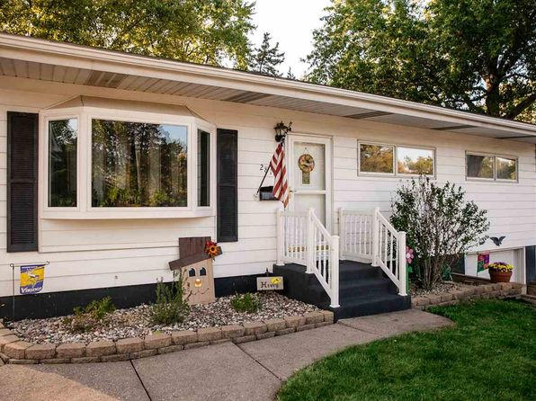 3 bed 1 bath Single Family at 2810 Taylor St Davenport, IA, 52804 is for sale at 132k - 1 of 23