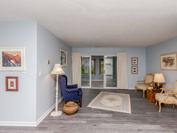 2 bed 1 bath Condo at 1100 Adams St Ames, IA, 50010 is for sale at 96k - 1 of 11