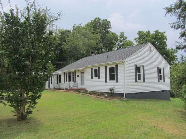 2 bed 1 bath Single Family at 910 Lake Dr Johnson City, TN, 37601 is for sale at 150k - 1 of 35