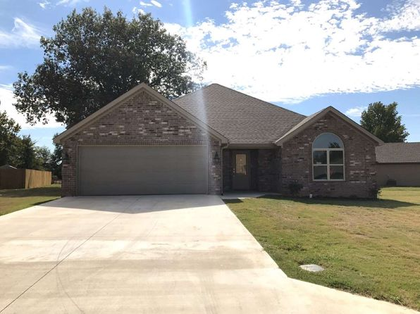 3 bed 2 bath Single Family at 6012 Wisteria Ln Jonesboro, AR, 72404 is for sale at 187k - 1 of 13