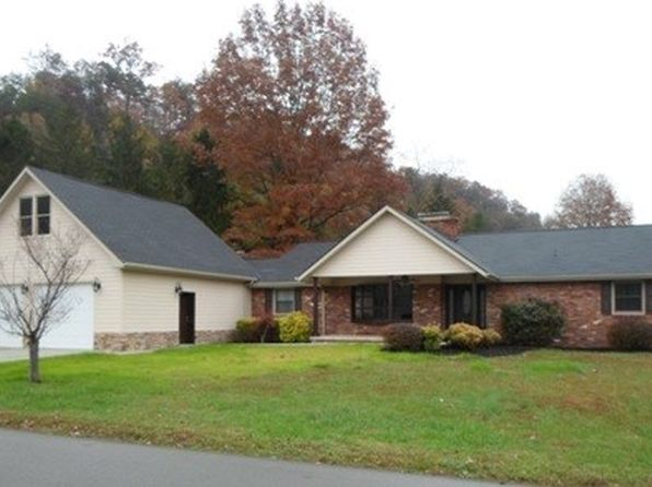 4 bed 3.5 bath Single Family at 107 Walnut Dr Pikeville, KY, 41501 is for sale at 529k - 1 of 46