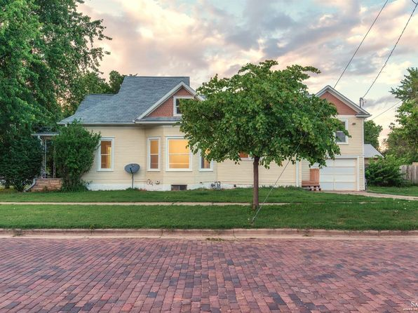 3 bed 2 bath Single Family at 763 S 9th St Salina, KS, 67401 is for sale at 125k - 1 of 19
