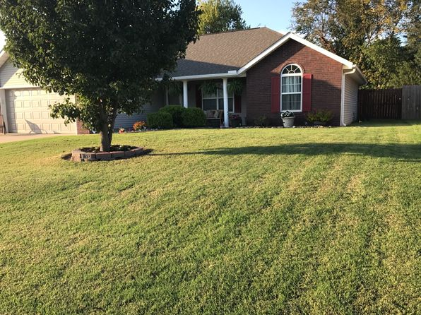 3 bed 2 bath Single Family at 2105 E 25th St Joplin, MO, 64804 is for sale at 140k - 1 of 11