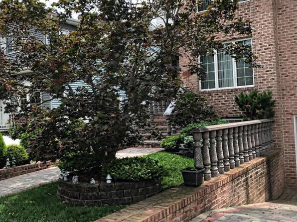4 bed 3 bath Multi Family at 226 Sheldon Ave Staten Island, NY, 10312 is for sale at 879k - 1 of 11