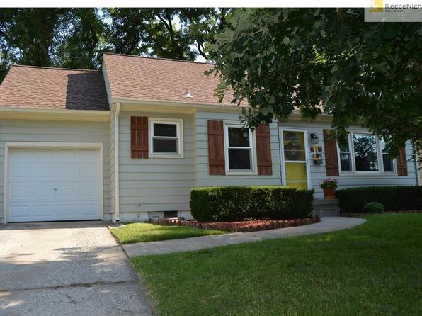 2 bed 1 bath Single Family at 5306 W 51st St Mission, KS, 66205 is for sale at 155k - 1 of 21