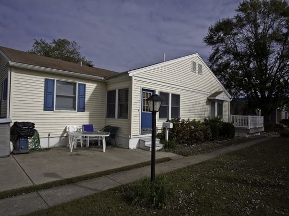 2 bed 1 bath Single Family at 1320 Pennsylvania Ave Cape May, NJ, 08204 is for sale at 296k - 1 of 14