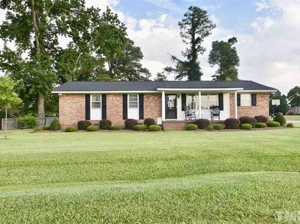 3 bed 2 bath Single Family at 71 Fairview Village Rd Dunn, NC, 28334 is for sale at 143k - 1 of 22