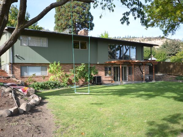4 bed 3 bath Single Family at 2826 W 10th St The Dalles, OR, 97058 is for sale at 443k - 1 of 31