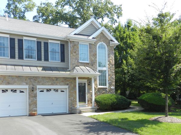 2 bed 3 bath Townhouse at 28 Pine Lake Ter River Vale, NJ, 07675 is for sale at 499k - 1 of 8