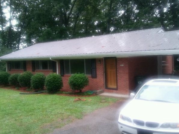 3 bed 2 bath Single Family at 1021 E Lakeshore Dr Dalton, GA, 30720 is for sale at 160k - 1 of 7