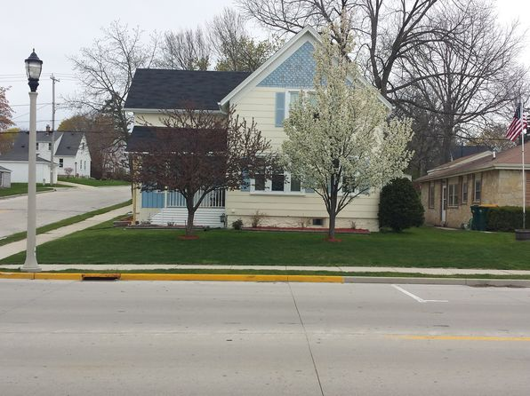 3 bed 2 bath Single Family at 529 S Spring St Port Washington, WI, 53074 is for sale at 170k - 1 of 33