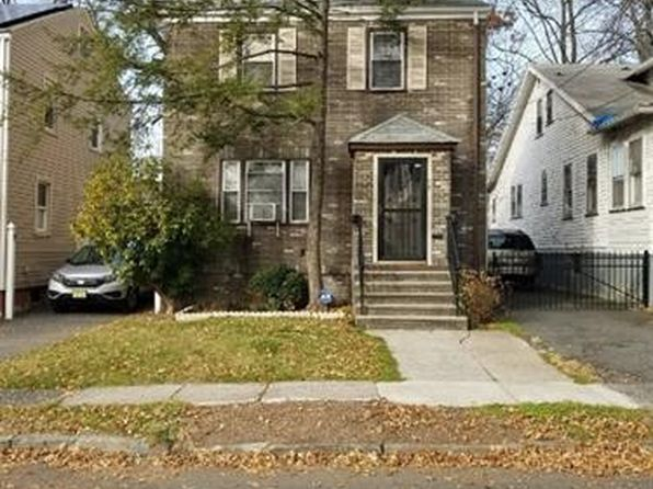 3 bed 2 bath Single Family at 59 Philip Pl Irvington, NJ, 07111 is for sale at 169k - 1 of 19
