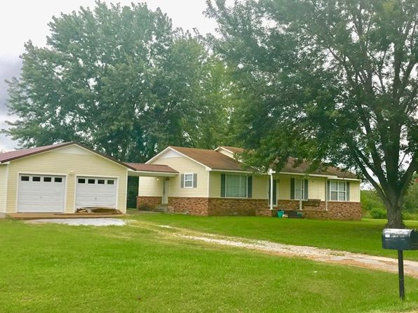 3 bed 2 bath Single Family at 1425 Matthew Ave Lawrenceburg, TN, 38464 is for sale at 125k - 1 of 10