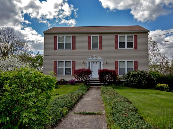4 bed 3 bath Single Family at 12 King Cole Rd Hamburg, NJ, 07419 is for sale at 290k - 1 of 15