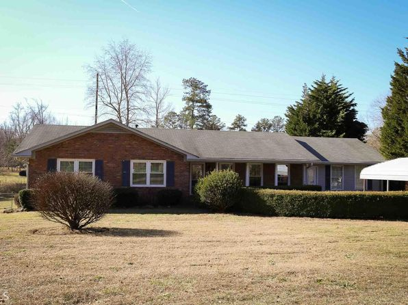 4 bed 3 bath Single Family at 110 W LAKE DR CARROLLTON, GA, 30117 is for sale at 159k - 1 of 17