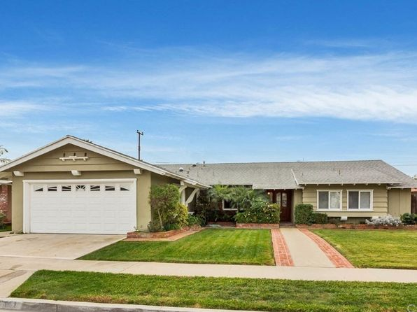 4 bed 2 bath Single Family at 961 Junipero Dr Costa Mesa, CA, 92626 is for sale at 815k - 1 of 27