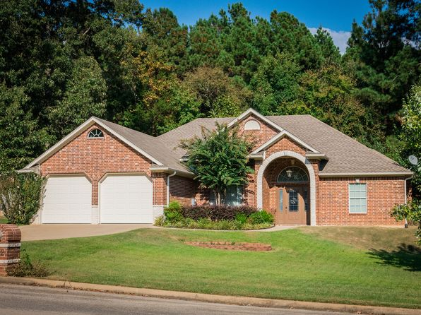 3 bed 3 bath Single Family at 1312 Nottingham St White Oak, TX, 75693 is for sale at 229k - 1 of 16