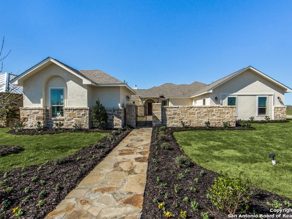 4 bed 4 bath Single Family at 133 Fairway Dr Floresville, TX, 78114 is for sale at 359k - 1 of 25