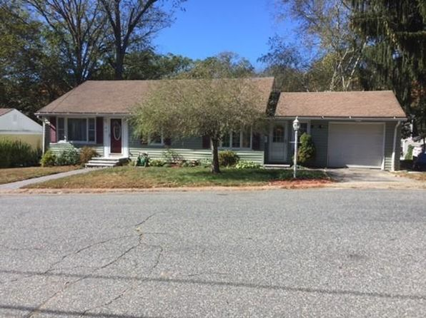 3 bed 2 bath Single Family at 19 Hartwell Ter Southbridge, MA, 01550 is for sale at 185k - 1 of 17