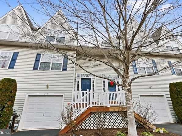 2 bed 3 bath Condo at 215 Buchanan Ct Downingtown, PA, 19335 is for sale at 240k - 1 of 24
