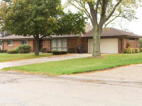 3 bed 2 bath Single Family at 3580 S 52nd St Greenfield, WI, 53220 is for sale at 178k - 1 of 25