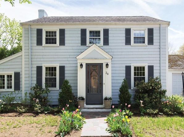3 bed 2 bath Single Family at 24 Grassmere Rd Chestnut Hill, MA, 02467 is for sale at 900k - 1 of 9