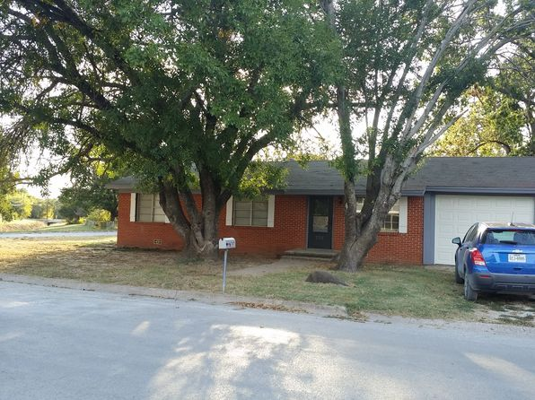 3 bed 2 bath Single Family at 707 Rock St Bowie, TX, 76230 is for sale at 77k - 1 of 18