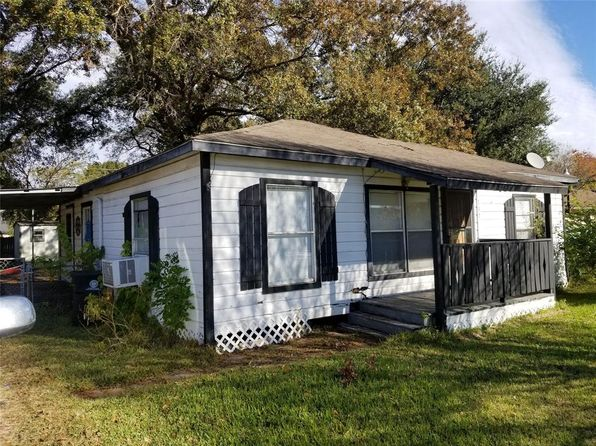 1 bed 1 bath Single Family at 137 E ROSELANE ST HOUSTON, TX, 77076 is for sale at 87k - 1 of 9
