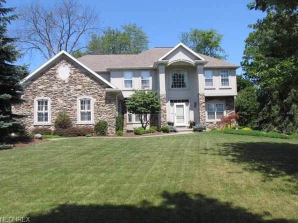 4 bed 3 bath Single Family at 7926 Windridge Dr Broadview Heights, OH, 44147 is for sale at 430k - 1 of 35