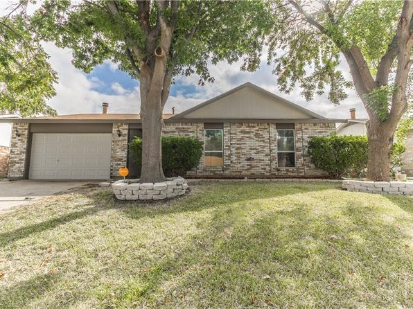 3 bed 2 bath Single Family at 2210 Windchime Dr Grand Prairie, TX, 75051 is for sale at 150k - 1 of 22