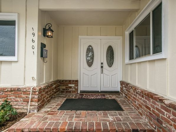 4 bed 2 bath Single Family at 19601 Bryant St Northridge, CA, 91324 is for sale at 625k - 1 of 21