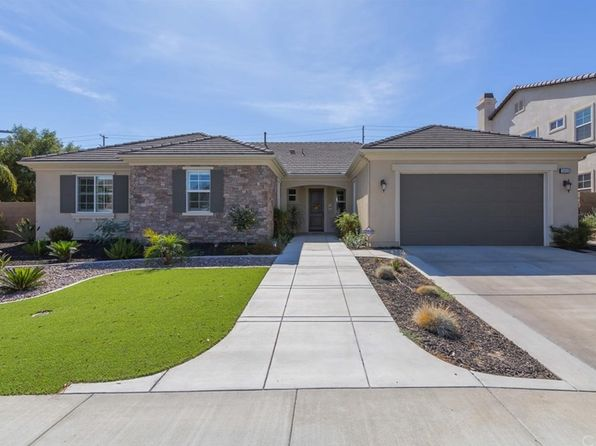 4 bed 3 bath Single Family at 29059 Shorecliff Cir Menifee, CA, 92585 is for sale at 485k - 1 of 50