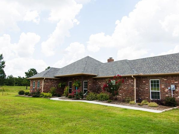 3 bed 4 bath Single Family at 712 County Road 45700 Blossom, TX, 75416 is for sale at 400k - 1 of 28