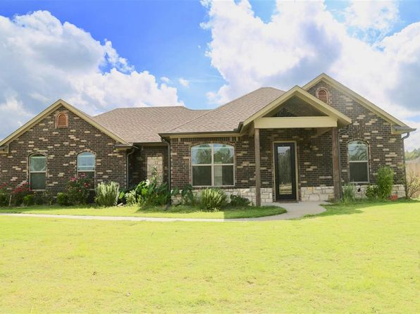 3 bed 2 bath Single Family at 520 Karabeth Ln Hallsville, TX, 75650 is for sale at 216k - 1 of 18