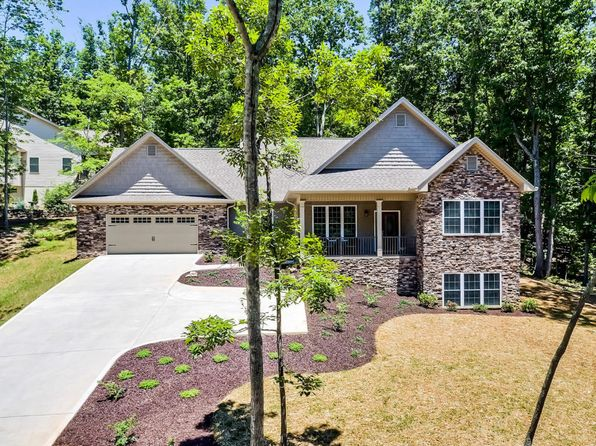 3 bed 3 bath Single Family at 217 Wahuhu Ln Loudon, TN, 37774 is for sale at 395k - 1 of 34
