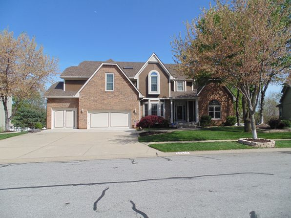 5 bed 5 bath Single Family at 12617 Stearns St Overland Park, KS, 66213 is for sale at 425k - 1 of 27