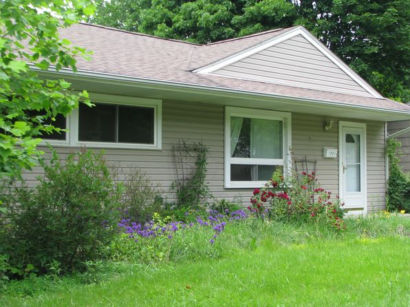 3 bed 1 bath Single Family at 1701 Hatcher Cres Ann Arbor, MI, 48103 is for sale at 400k - 1 of 6