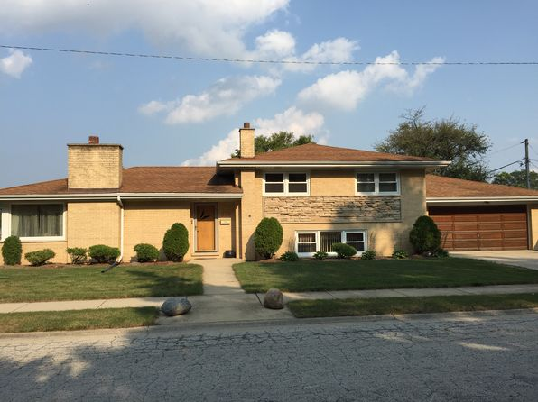 4 bed 3 bath Single Family at 515 Courtesy Ln Des Plaines, IL, 60018 is for sale at 350k - 1 of 11