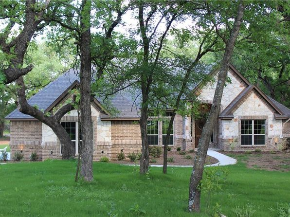 3 bed 2 bath Single Family at 8470 Old Springtown Rd Springtown, TX, 76082 is for sale at 325k - 1 of 29