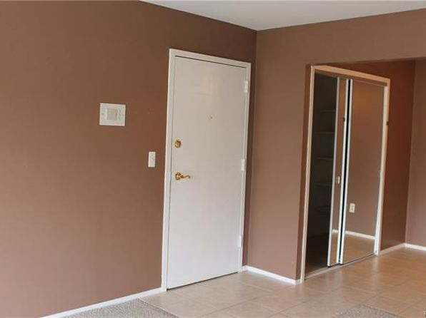 2 bed 1 bath Condo at 38280 Fairway Ct Clinton Twp, MI, 48038 is for sale at 62k - 1 of 14