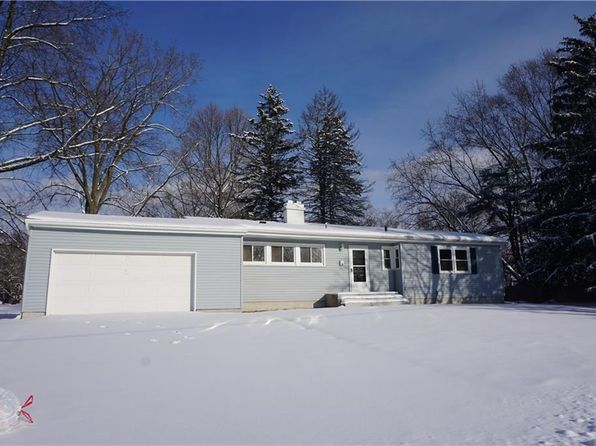 3 bed 2 bath Single Family at 18 Gooseberry Ln Liverpool, NY, 13090 is for sale at 110k - google static map