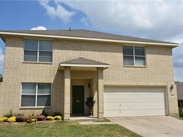 3 bed 3 bath Single Family at 8053 Colbi Ln Fort Worth, TX, 76120 is for sale at 200k - 1 of 17