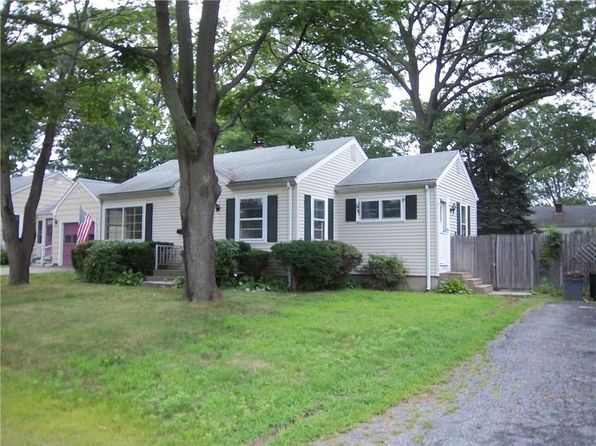 3 bed 1 bath Single Family at 104 Holland Ave Riverside, RI, 02915 is for sale at 219k - 1 of 10