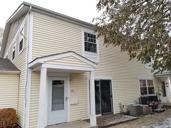 2 bed 2 bath Townhouse at 1321 Alpine Ct Wheeling, IL, 60090 is for sale at 148k - 1 of 25