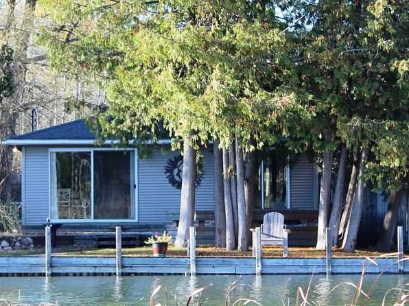 1 bed 1 bath Single Family at 7319 E Spruce St E Alanson, MI, 49706 is for sale at 189k - 1 of 20