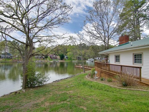 2 bed 1 bath Single Family at 348 Pinehaven Dr New London, NC, 28127 is for sale at 285k - 1 of 26