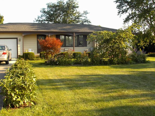 2 bed 2 bath Single Family at 7906 W Pfeiffer Rd Mapleton, IL, 61547 is for sale at 170k - 1 of 5