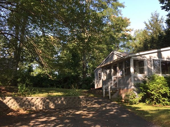 1 bed 1 bath Single Family at 32 New Boston Rd Kingston, NH, 03848 is for sale at 79k - 1 of 17
